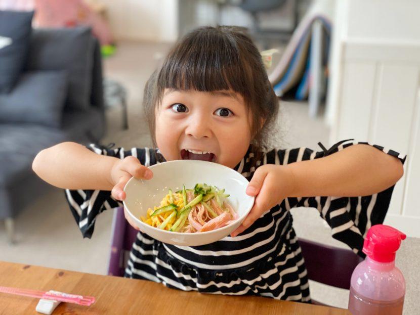 子どもが給食を食べてくれないときの介助のコツ